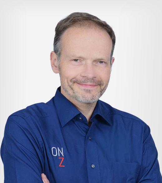 Dr. Thomas Bierstedt
